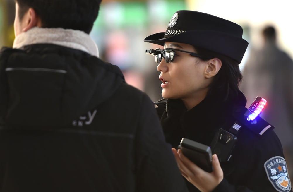 Китай готовит блокчейн-решение для надзора за преступниками