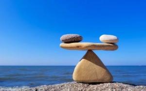 курс биткоина держит баланс