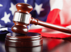 В США судья назначил арестованному хакеру залог в криптовалюте