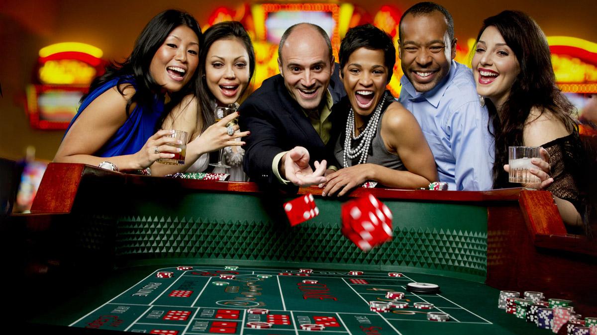 Почему рекламируют казино казино охранник блестящие видео