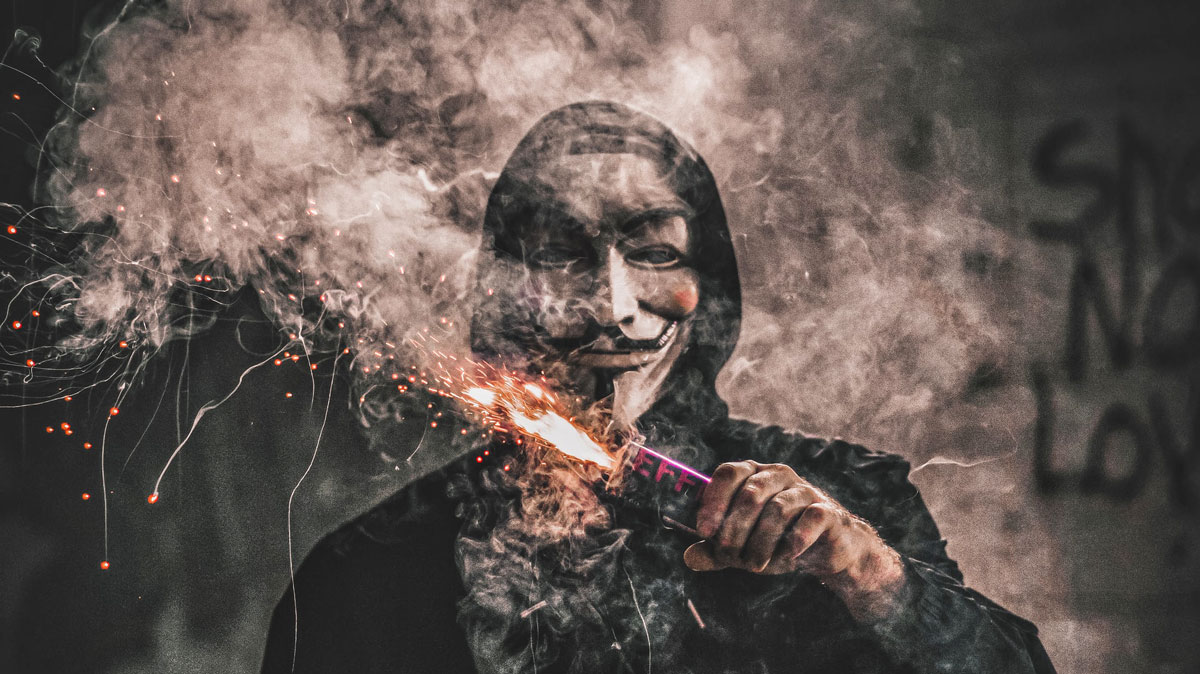 «Мы Anonymous. Нас легион. Мы идем». Команда хакеров угрожает Илону Маску из-за его влияния на криптовалюты