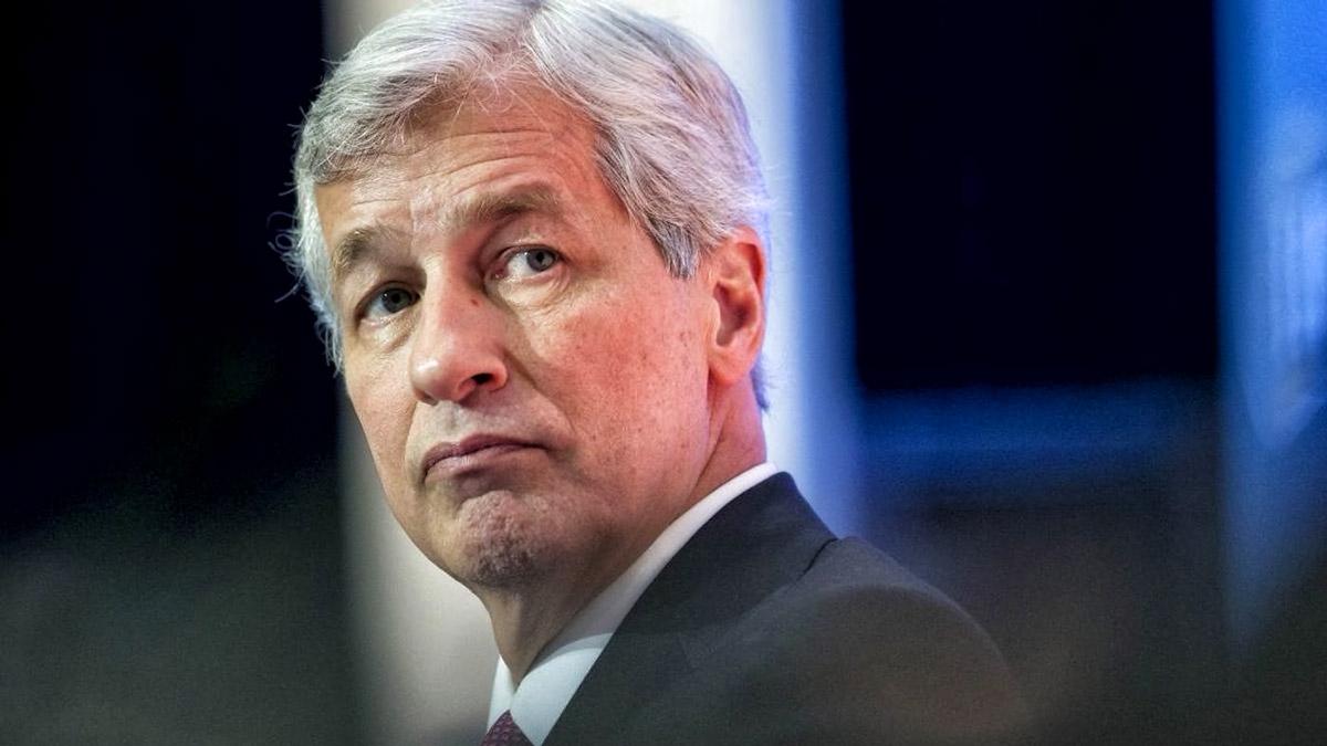 Руководитель JPMorgan по-прежнему презирает биткоин, но желания клиентов важнее